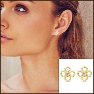 5⭐️KENDRA SCOTT Rue Stud Earrings in Gold